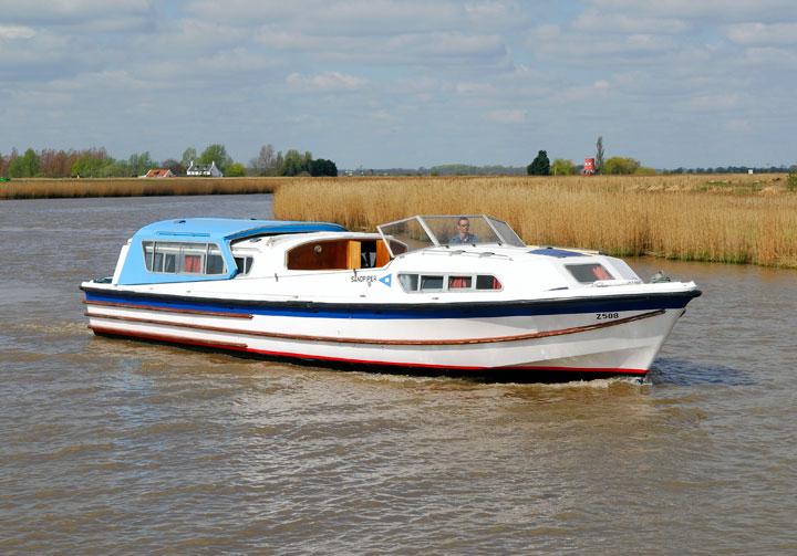 Hire Boats 4 To 9 Berth Norfolk Boat Hire Sanderson